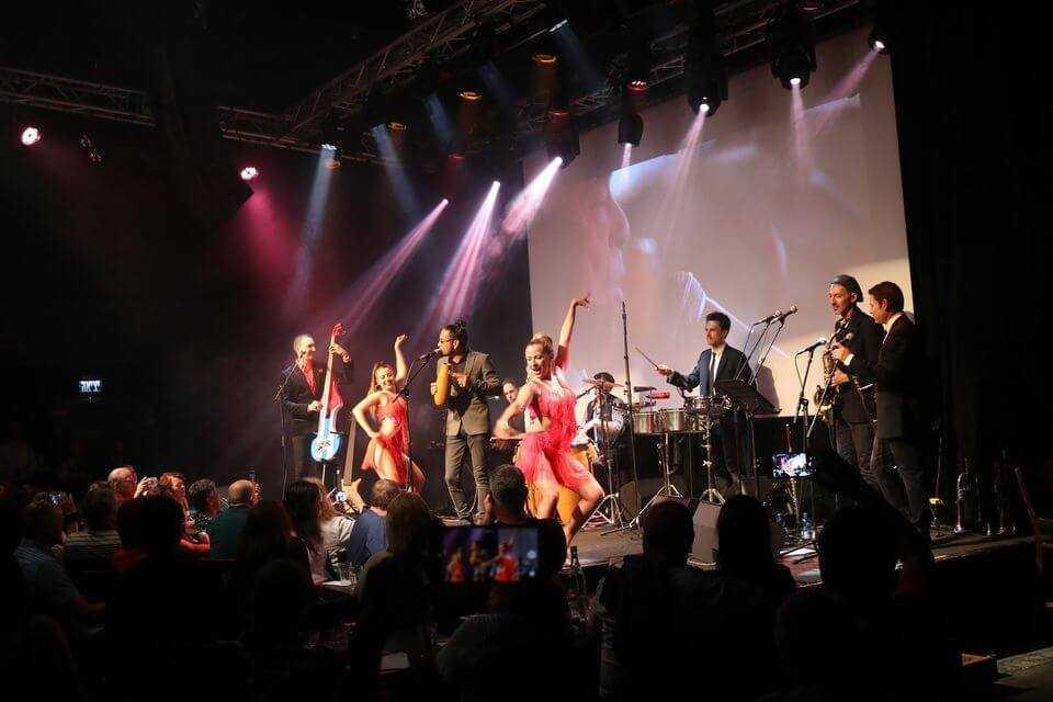 מופע מחווה לבואנה ויסטה סושייאל קלאב By Latin Power בטרמינל