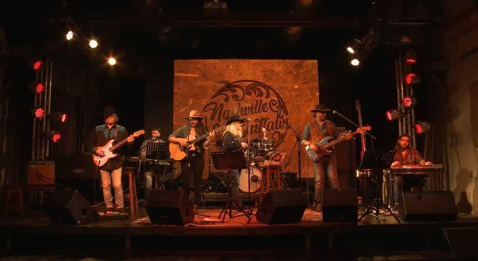 מופע המחווה למוזיקת הקאנטרי האמריקאית Nashville Outlaws בטרמינל